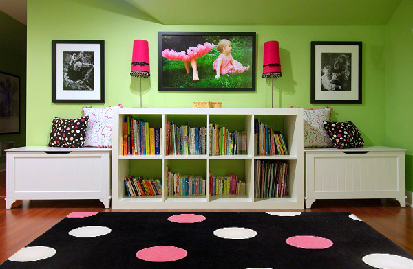 playroom-pink-black-dot